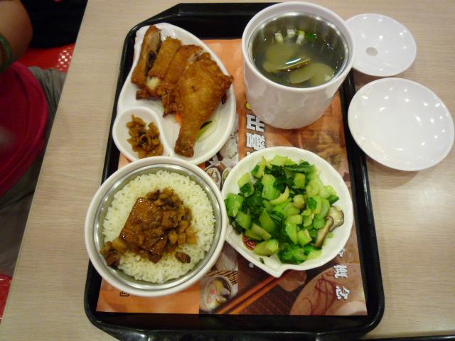 79元でパイコウ飯と鳥のから揚げ飯セット